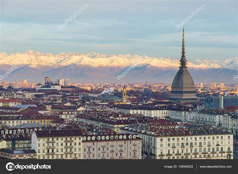 alba torino torino piemonte paesaggio urbano all alba con dettagli
