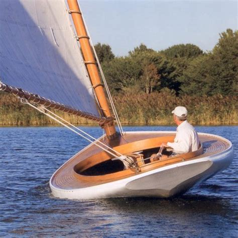 boat brands that begin with c best 25 classic yachts ideas on pinterest asian track