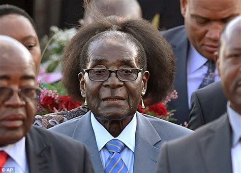 zimbabwe latest hairstyle robert mugabe on south africa state visit appears to have