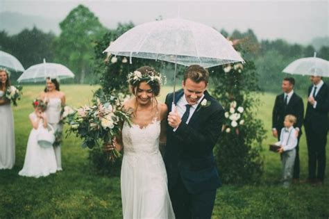wedding hairstyles for rainy days 26 rainy day wedding photos that are hopelessly