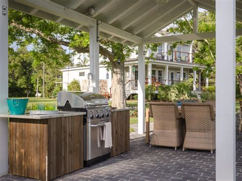 Blog Cabin 2013 Sweepstakes - outdoor kitchen pictures from blog cabin 2013 diy network blog cabin giveaway diy