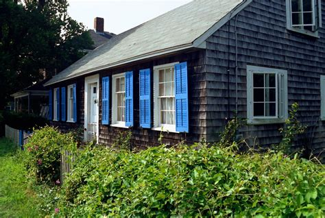 panoramio photo of cottage with blue shutters
