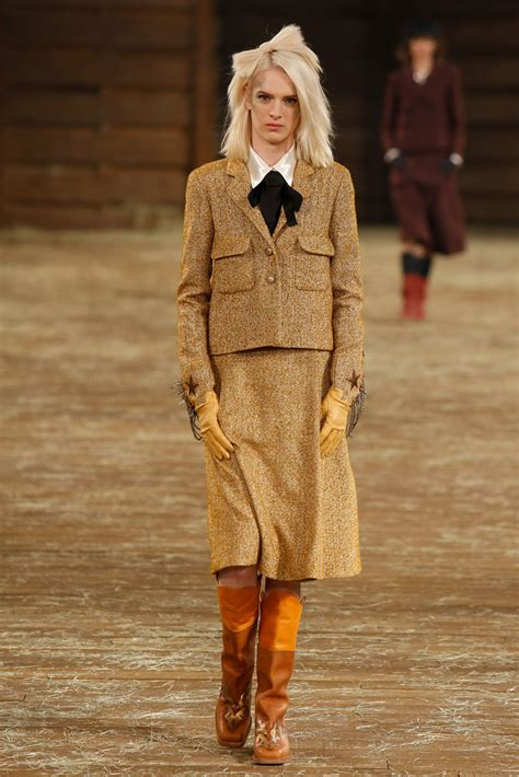 A Brief Look At The Pre Fall Collections by Chanel Pre Fall 2014 Collection Photos Vogue