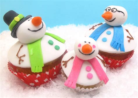 Winter Cupcakes Decorating Ideas by Snowman Cupcake Card Family Card Ideas