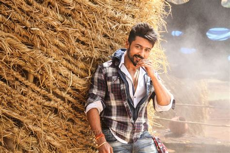 surya and samantha in anjaan hd wallpaper ihd wallpapers picture 738147 tamil actor suriya in anjaan movie latest