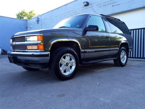 auto air conditioning service 1999 chevrolet tahoe transmission control 3gnek18r2xg146244 1999 2 door chevy tahoe barn doors 4x4 extra clean all original 2 owner nice