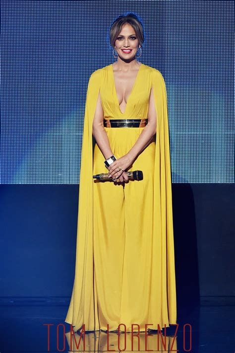 Jlo Does Designer by Wears 10 At The 2015 American