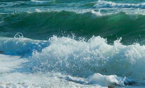 wallpaper hd for desktop full screen new year 2015 download sea waves sea widescreen full screen widescreen hd