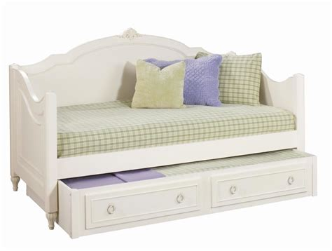 Daybeds For Girls Cozy White Wooden Curved Beds For Sale Bed Daybed