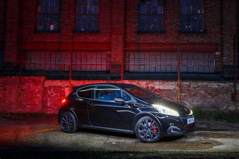 peugeot 208 gti white top 5 things about the peugeot 208 gti by peugeot sport