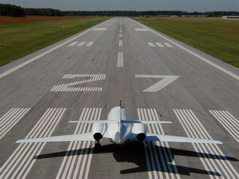 inilah  bandara  runway terpanjang  indonesia