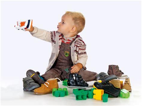 imagenes de niños lustrando zapatos elegir bien los zapatos del ni 241 o