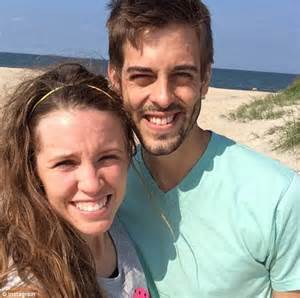 jill duggar dillard and husband derick welcome first jill duggar shares selfies from her honeymoon with new