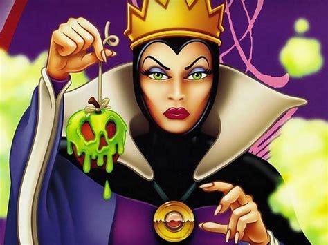 disney villains wallpaper evil queen the queen disney villains wallpaper 9586434 fanpop