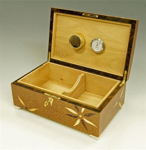 Handmade Humidor - handmade humidor lined in solid cedar makers eye