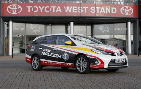 global motors raleigh toyota auris touring sports hybrid quot team raleigh gac quot 2016