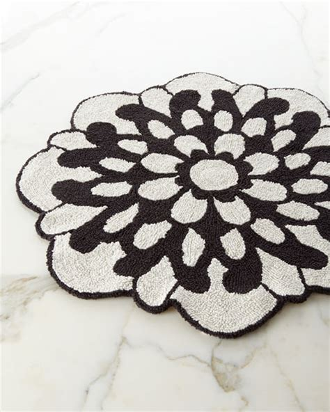 Flower Bath Rug Missoni Home Otil Reversible Flower Shaped Bath Rug Neiman