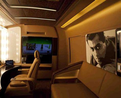 shahrukh bedroom bollywood stars their vanity vans