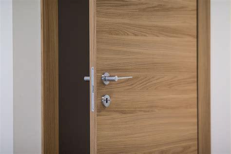 installazione porte interne vendita ed installazione porte interne novara