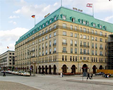 hotel berlin inn file hotel adlon berlin jpg wikimedia commons