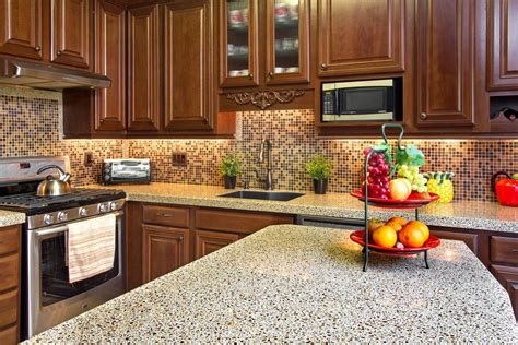 country kitchen with glow kitchen counter backsplash using