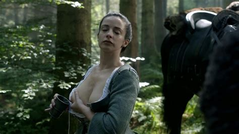 Nackte Laura Donnelly In Outlander