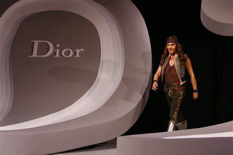 Galliano Gets Smoochy At Diors Cruise Show by Galliano Photos Photos 2008 Cruise Collection