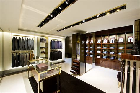 gucci s largest men s store to open in milan luxurylaunches