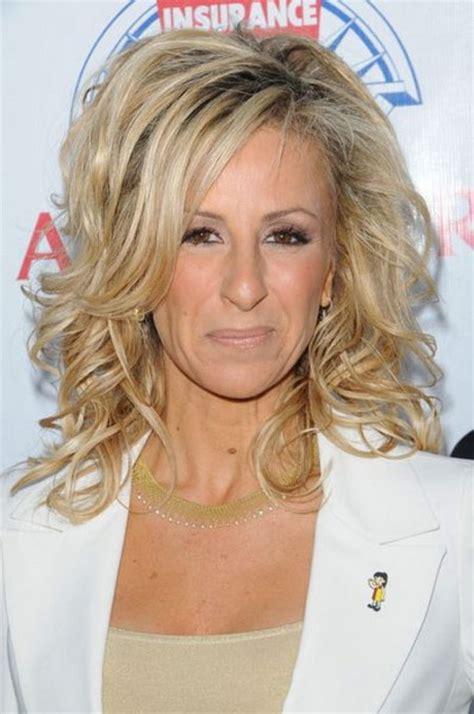 elegant medium length hairstyles for women over 40 best medium hairstyles for women over 50