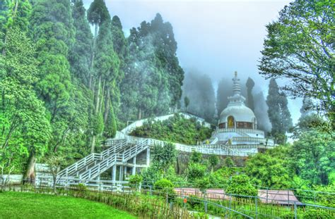 of a things to do in darjeeling during monsoon