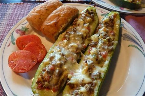 skinny girl stuffed zucchini boats 6000 best fit bottomed eats images on pinterest healthy