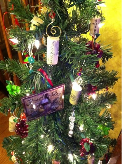 wine theme christmas tree 17 best images about burlap and wine corks decorating on trees burlap