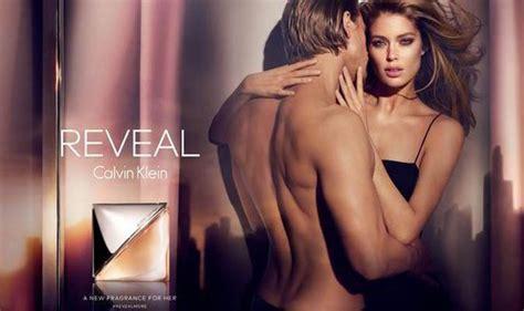 Victoria S Secret Model Doutzen Kroes Naked With Charlie Hunnam Express Co Uk Doutzen Kroes