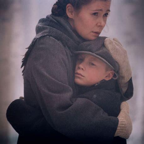 madre encuentra a su hija haciendo el amor con su novio mama encuentra a su hija con su madre pilla a hija con