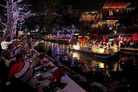 san antonio riverwalk christmas lights boat ten things to do in san antonio holiday edition