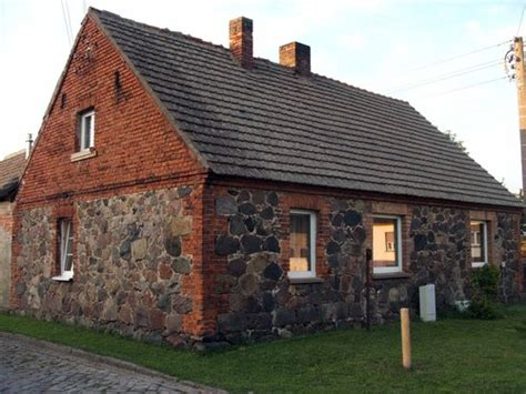Haus Mit Steinfassade by Klein Muckrow Typisches Haus Mit Steinfassade