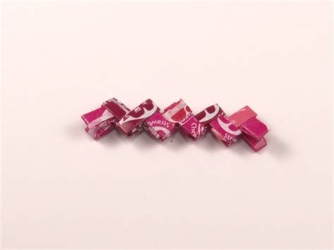 Starburst Wrapper Origami - how to make a chain from starburst wrappers 13 steps