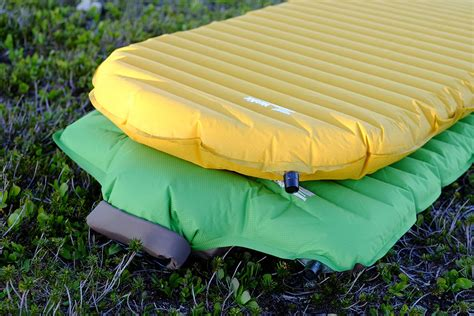 most comfortable backpacking sleeping pad best backpacking sleeping pads of 2017 switchback travel