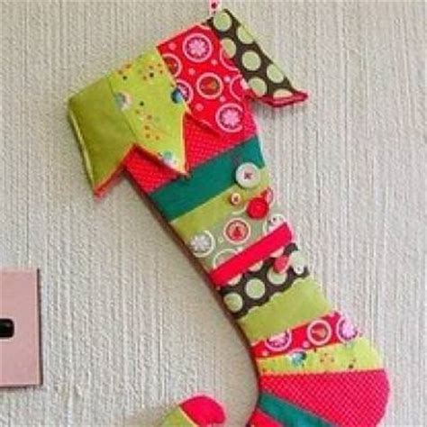 christmas stocking ideas 19 christmas stocking tutorials ideas tip junkie
