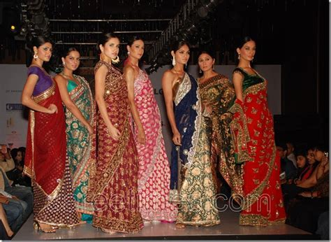Neeru?s Sarees at Bangalore Fashion Week 2010   sareetimes