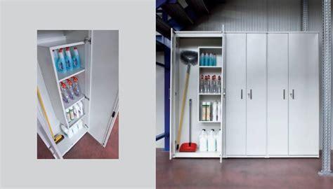 armadio ripostiglio armadio per ripostiglio armadi di servizio