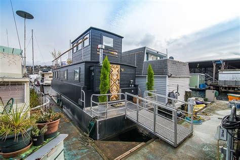 houseboat airbnb seattle seattle lakeside lovenest houseboats for rent in seattle
