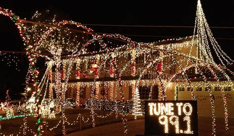 santa clarita christmas lights presenting the brit co holiday lights contest enter