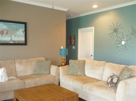 23 green wall designs decor ideas for living room teal and tan walls house pinterest the playroom tan