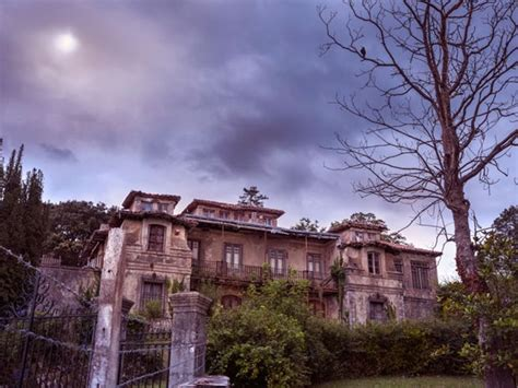 buy haunted house 9 real haunted houses you can actually buy if you dare