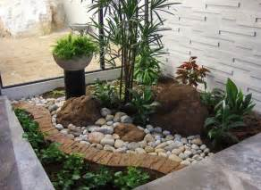 Small Front Yard Garden Ideas 25 Best Ideas About Small Front Yards On Small Front Yard Landscaping Front Yard