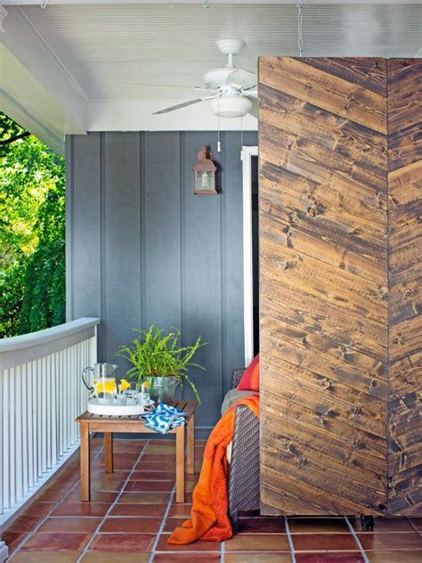 modern privacy fence ideas   outdoor space