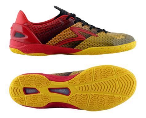 Sepatu Futsal Specs Dominating Touch sepatu futsal specs accelerator escala in sepatu zu