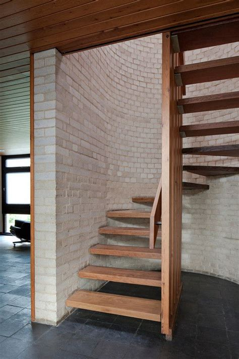 Small Staircase Ideas 25 Best Ideas About Small Staircase On Pinterest Stairway Small Space Stairs And Traditional