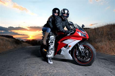 Motorrad Fahren Mit Jeans by Motorrad Renntaxi Gutschein Ab 99